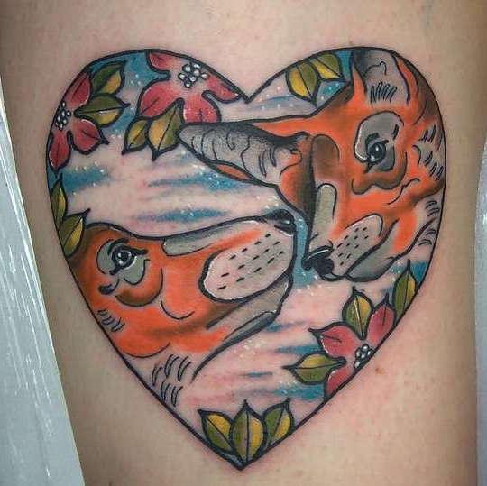Две лисы в сердечке с цветами