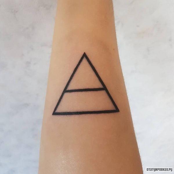 Татуировка триада
