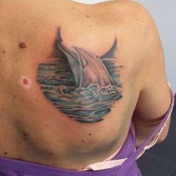фотография татуировка дельфин