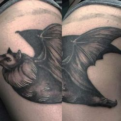 фотография татуировка летучая мышь