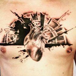 татуировки на груди фотография