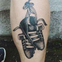Фото, эскизы и значения футбольных татуировок