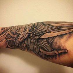 Эскизы, фото и глубинный смысл скандинавских татуировок