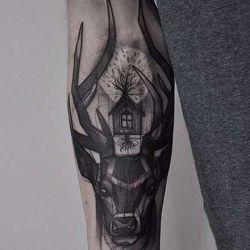 Скрытый смысл татуировки олень, отзывы