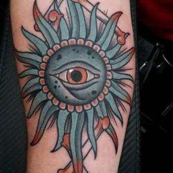 Татуировка солнце: история и значение, особенности композиции