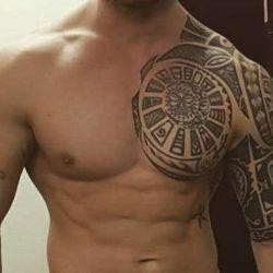 Татуировки Маори как родоначальники полинезийского стиля в украшении тела